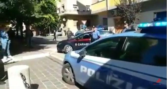 Poliziotti uccisi a Trieste, l'omaggio alla questura di Pescara VIDEO