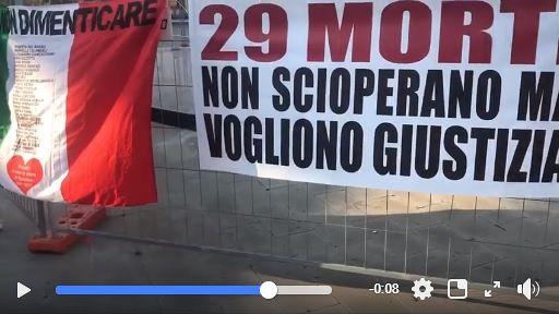"""Processo Rigopiano, protestano i familiari delle vittime: """"Vogliono lentezza"""" VIDEO"""