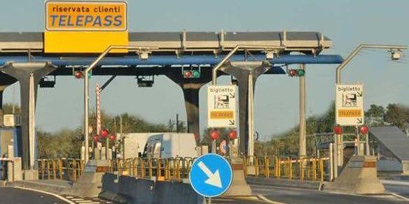 A14: chiusa per due notti l'uscita Pineto-Atri