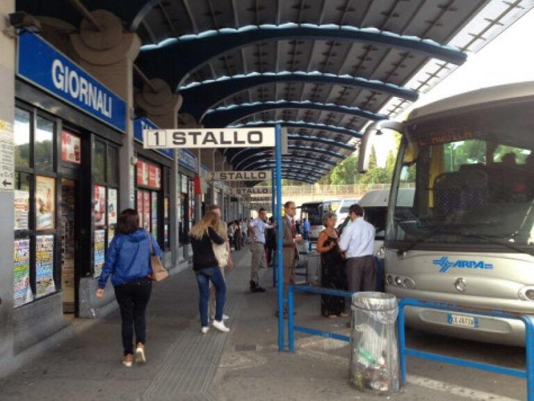 """Abruzzo, Marsilio scrive alla sindaca Raggi: """"Terminal bus resti a Tiburtina"""""""