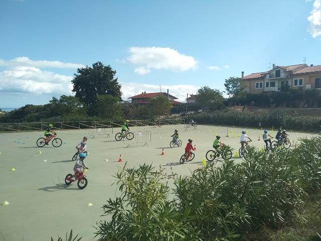 Fossacesia, tutti in bici sulla pista di 'Pump track' nel Parco della Libertà