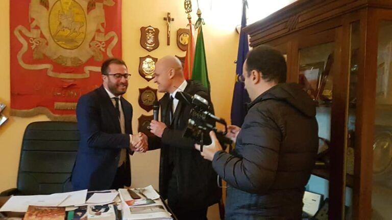 Giulianova, Le Iene in Comune dal sindaco per il Condominio Orsini
