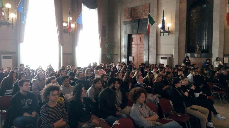 """Pescara, approvato il Dup: università all'ex Cofa e """"sfratto"""" allo sPaz"""