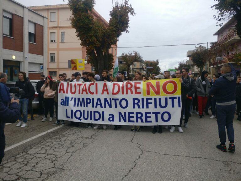Nereto, piattaforma rifiuti liquidi: si riaccende il dibattito politico. Il Pd ribatte al sindaco