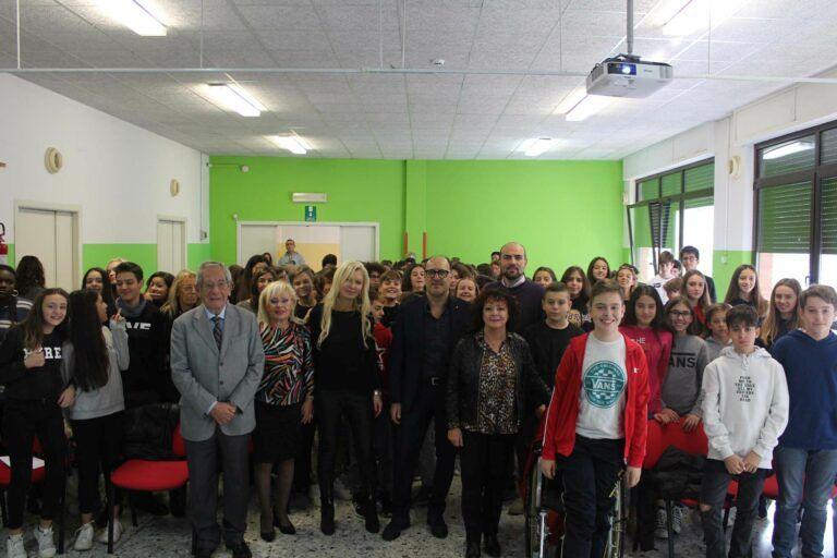 Pescara, bullismo e cyberbullismo: il procuratore Trifuoggi incontra gli studenti