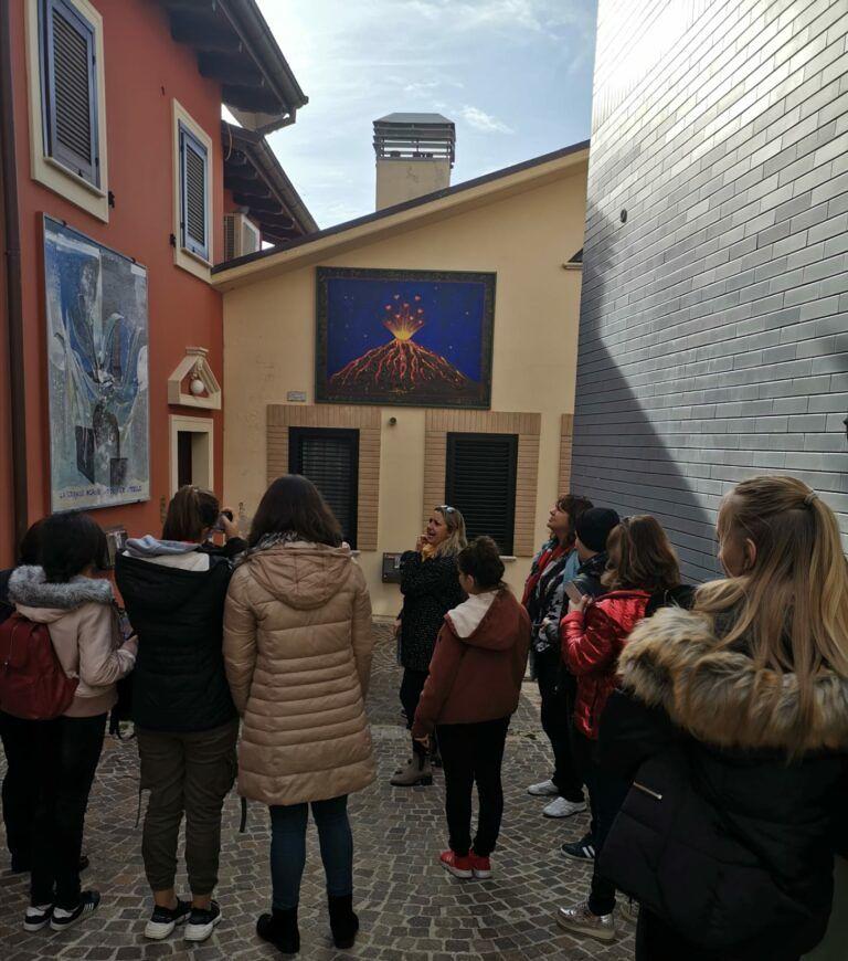 Atri, progetto Erasmus+: gli studenti ospiti, a Casoli per un'estemporanea di pittura en plein air