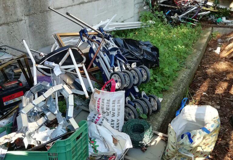 Pescara, l'ex mercato di via Maestri del Lavoro trasformato in discarica FOTO