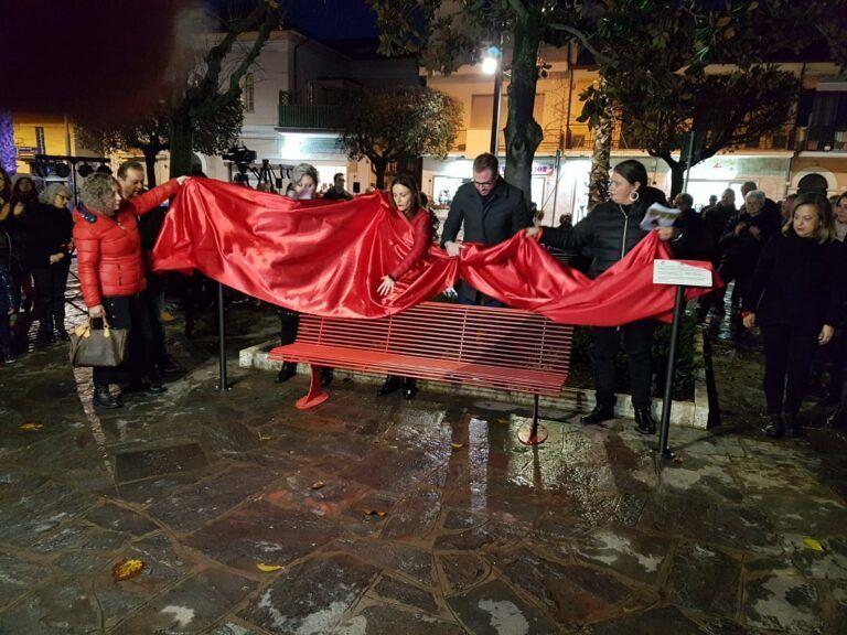 Giulianova, 25 novembre: inaugurazione della Panchina Rossa e Flash Mob in piazza Fosse Ardeatine