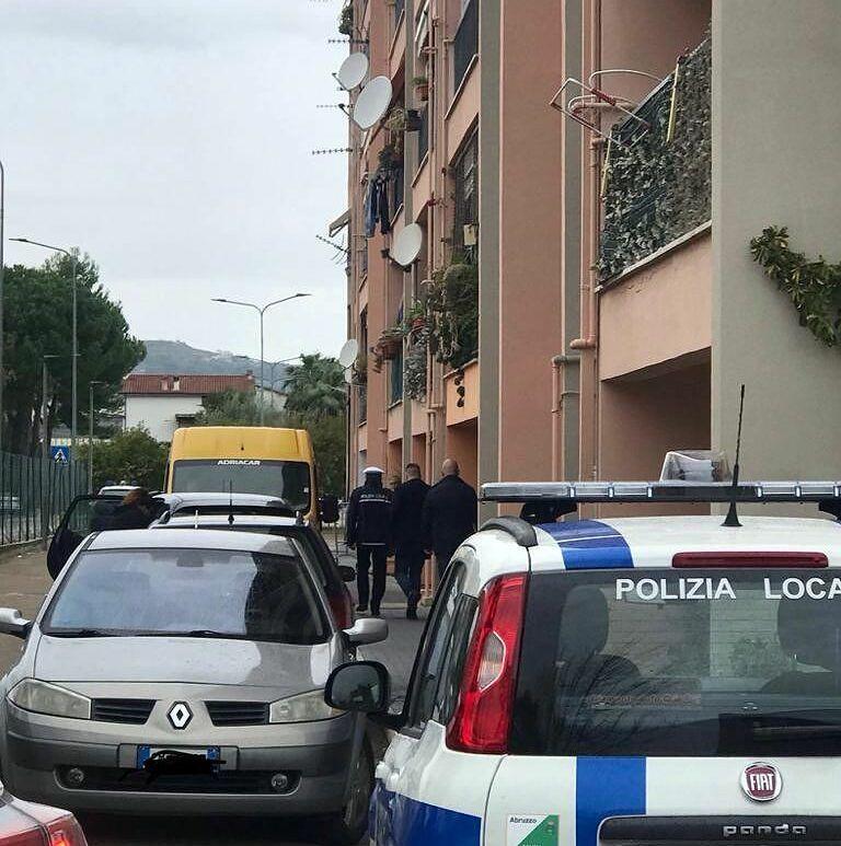 Montesilvano, sgomberato alloggio abusivo in via Rimini