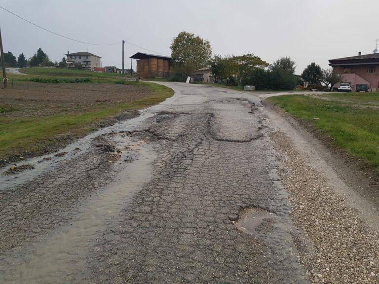 """Bellante, provinciale 59/a di nuovo impraticabile: """"E' tempo che la Provincia faccia qualcosa"""" FOTO"""