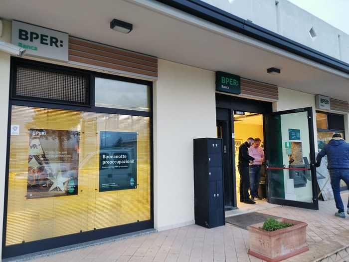 Paglieta, assalto con l'esplosivo alla Bper Banca