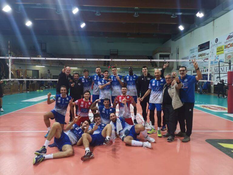 Volley, Blueitaly Pineto vince al tie-break contro la Paoloni Macerata