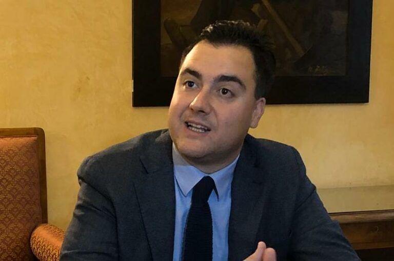 Castelli, il sindaco chiede la riapertura totale dell'ufficio postale