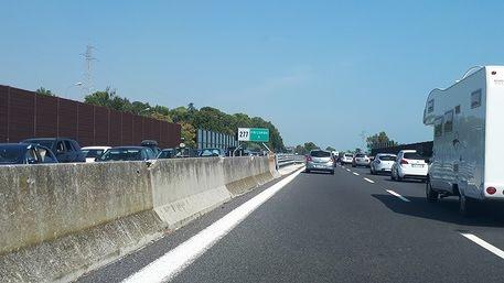 Code sulla A14, da domani ripristino delle due corsie nella zona sud delle Marche