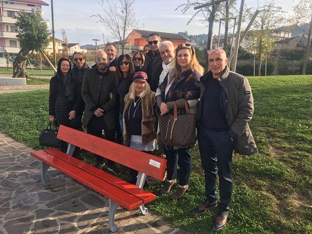San Giovanni Teatino, una Panchina Rossa per Jennifer Sterlecchini nel Parco 120 Alberi