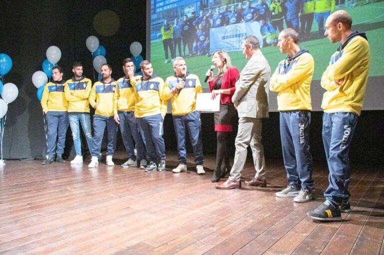 Pineto, folto pubblico per la presentazione delle squadre di calcio, volley e basket FOTO