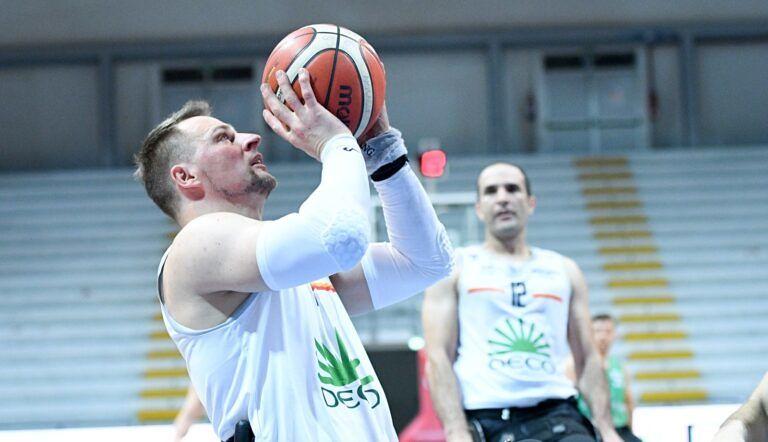 Basket, l'Amicacci sbanca Roma nel posticipo