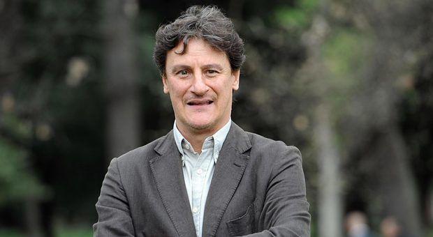 Avezzano, dimesso l'attore Giorgio Tirabassi: il ringraziamento a tutto il personale