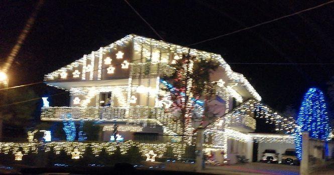 Roseto, a Voltarrosto la casa delle mille luci di Natale