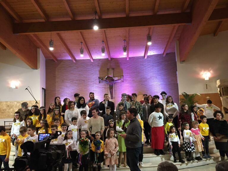 Garrufo, grande successo per lo spettacolo di Natale dei bambini