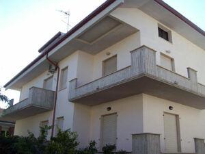 CO.RA.LL. S.r.l: manutenzione ordinaria e straordinaria di edifici civili e industriali.