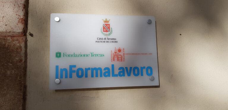 Teramo, inaugurato in piazza Orsini lo sportello InFormaLavoro