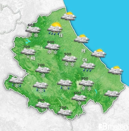Neve sui 500 metri e mareggiate sulle coste: allerta meteo in Abruzzo