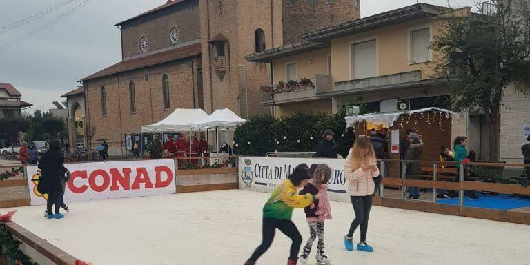 Martinsicuro, domenica l'inaugurazione della pista di ghiaccio in piazza Cavour
