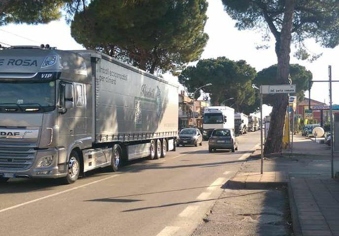 Blocco A14: traffico in tilt tra Montesilvano, Città Sant'Angelo e Pescara FOTO
