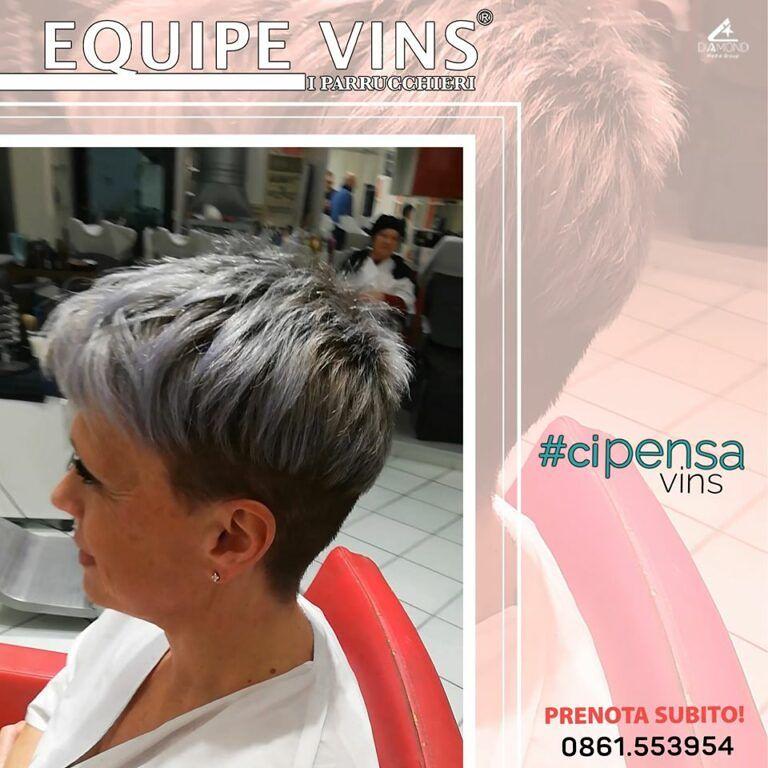 Da L'imperfetto Equipe VINS I PARRUCCHIERI L'autenticità è la chiave per un Hair Style perfetto!