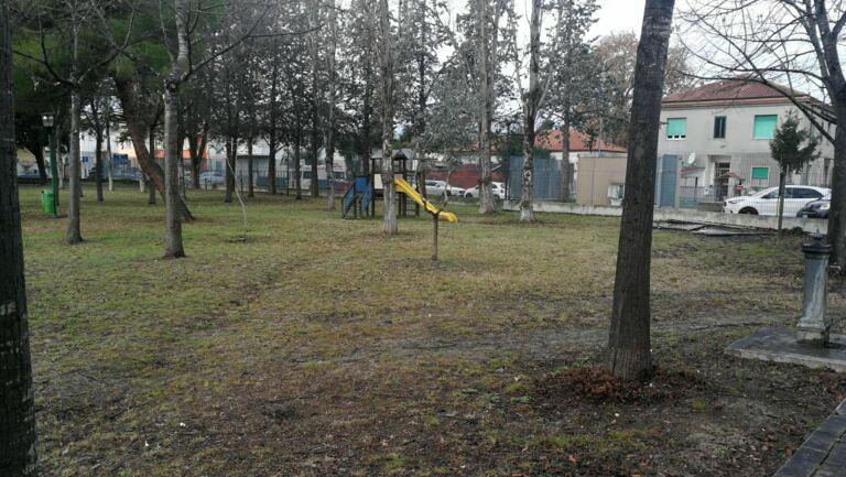 """Covid Pescara, fase 2: """"Al parco solo genitori e bimbi e con un'app"""""""