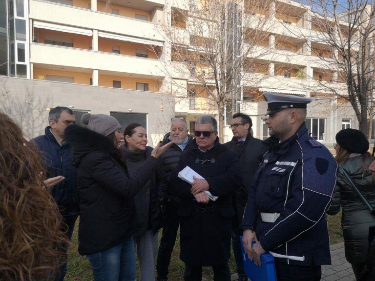 """Pescara, emergenza via Alpi: """"In 130 dentro 24 appartamenti"""""""