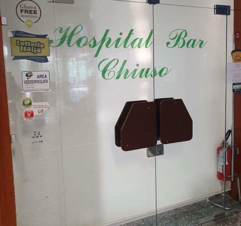 """Teramo, passaggio di consegne al bar dell'ospedale: """"Ringraziamo tutti i clienti"""""""