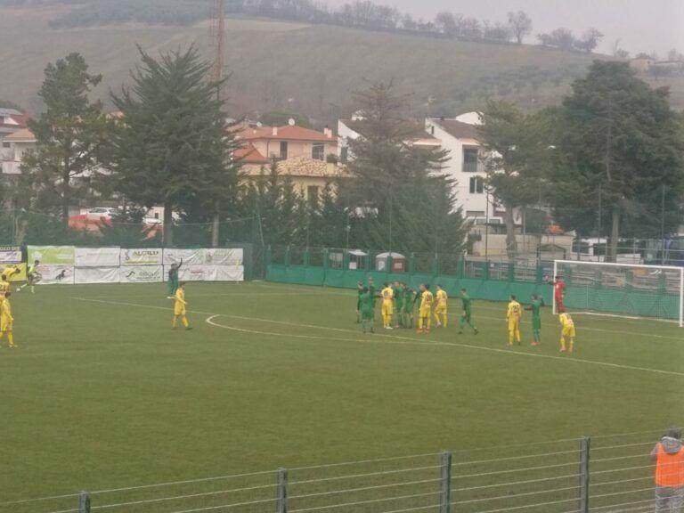 Eccellenza, Castelnuovo-Sambuceto 1-0: magia Di Ruocco. Capolista a +13 VIDEO