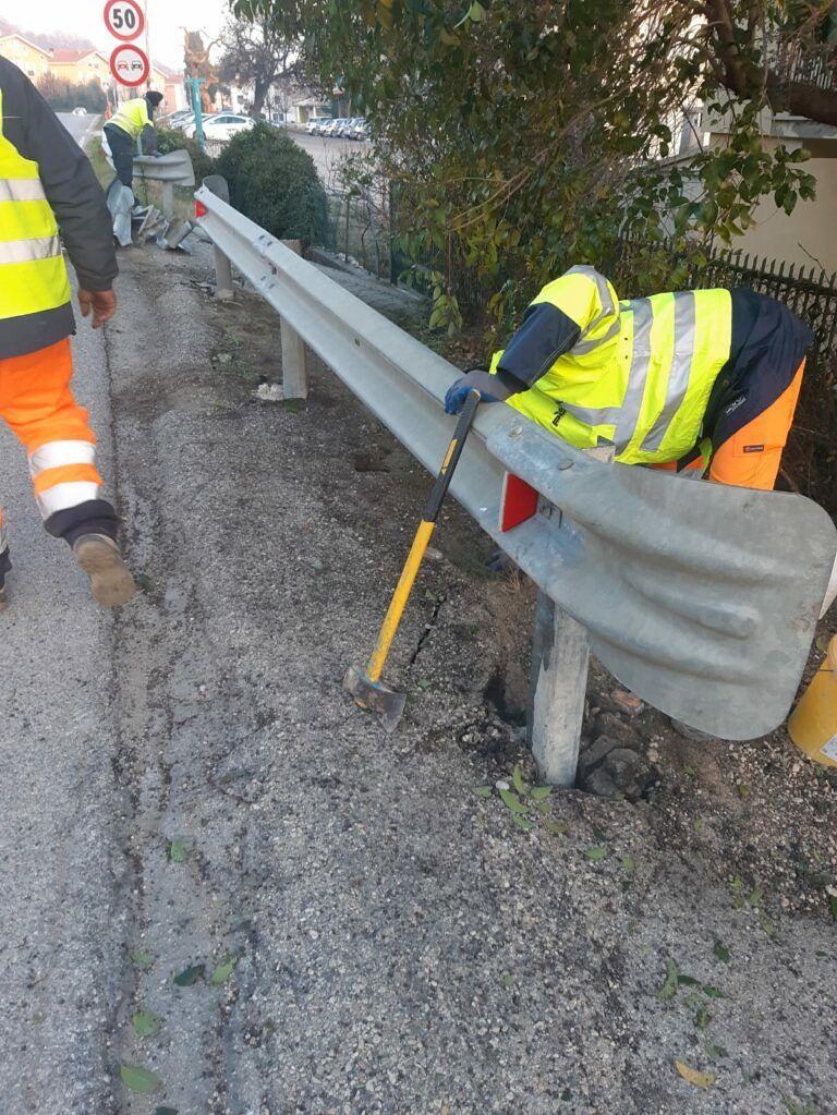 Bellante, statale 80: ripristinato guardrail danneggiato nell'incidente FOTO
