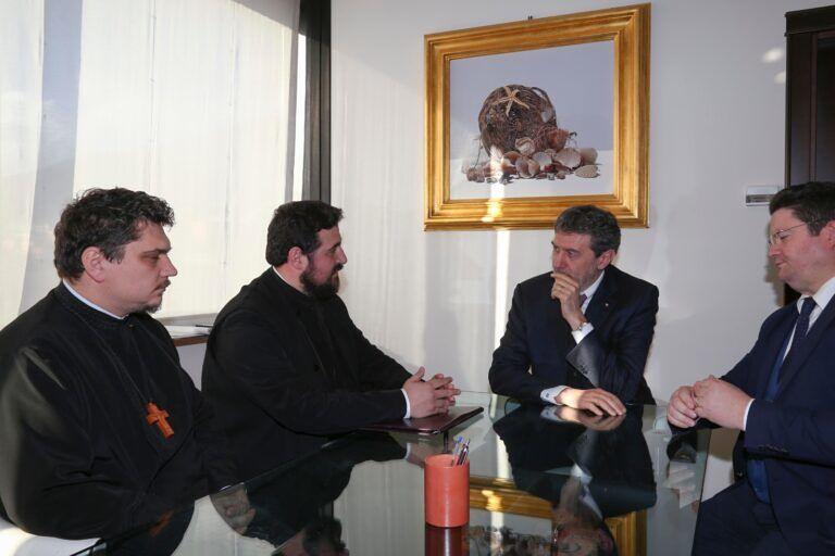 L'Aquila, una delegazione della chiesa ortodossa ricevuta da Marsilio