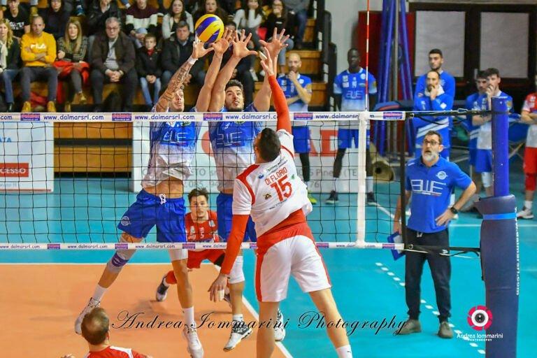 Volley, brutta sconfitta per la Blueitaly Pineto: Bari capolista