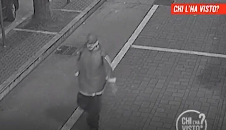 Pescara, ragazze malmenate e rapinate in strada: preso un 31enne