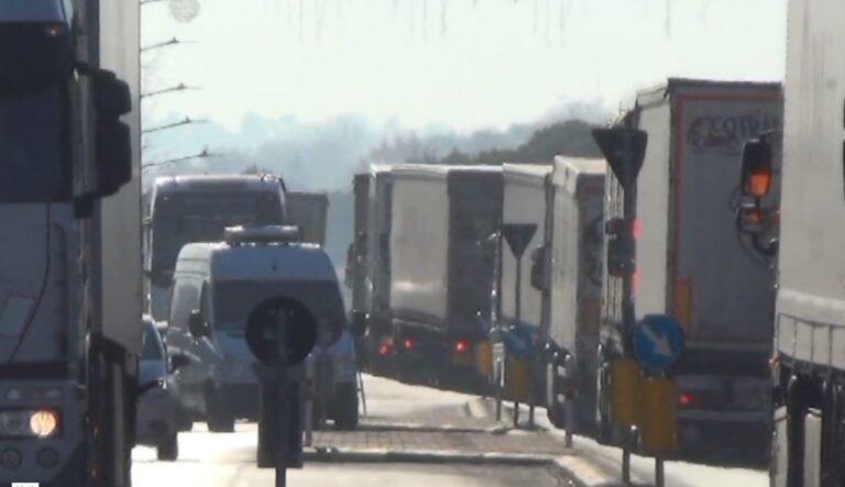 Silvi, i Tir sulla SS16 non hanno inquinato l'aria in modo allarmante: lo dice l'ARTA