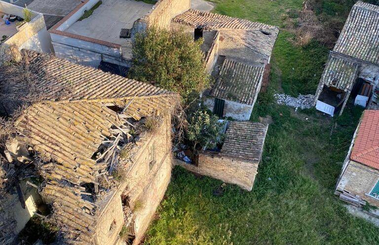 Pescara, degrado in via Gobetti: ordinanza per la bonifica