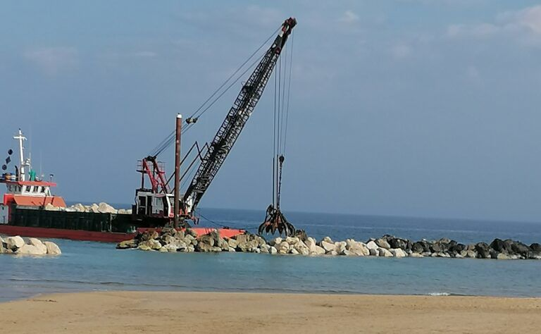 Montesilvano, nuove scogliere e 200mila euro per la spiaggia