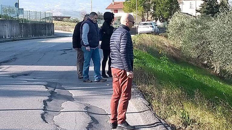 Ancarano, dissesto nella strada verso Sant'Egidio: sopralluogo per studiare interventi