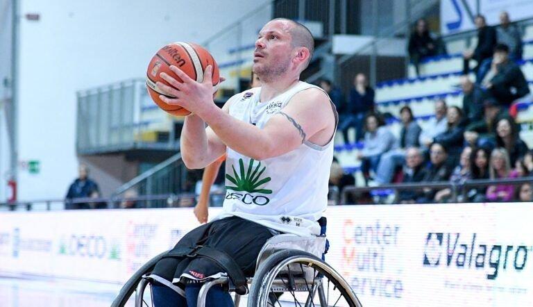 Basket in carrozzina, l'Amicacci batte Bergamo e blinda il quarto posto