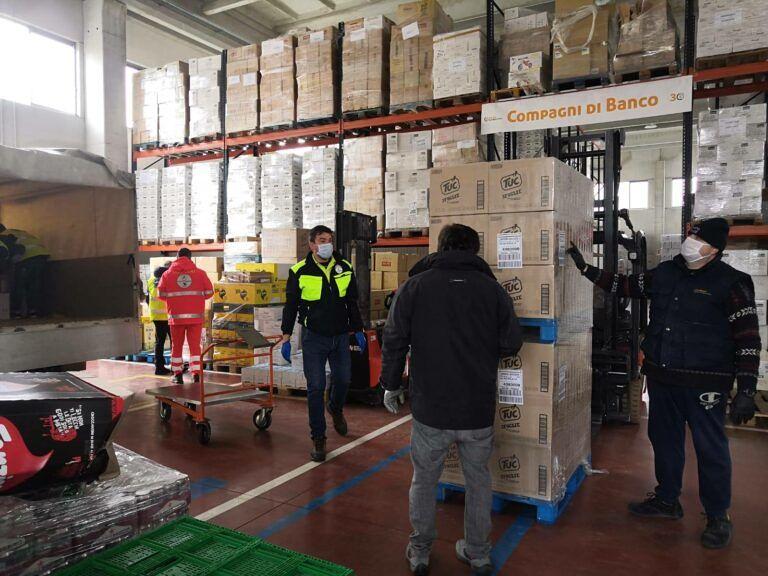 Coronavirus, il Banco Alimentare parte per Elice con le scorte per la zona rossa