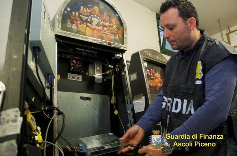 Slot machine taroccate: inchiesta tocca Ascoli e la provincia di Teramo