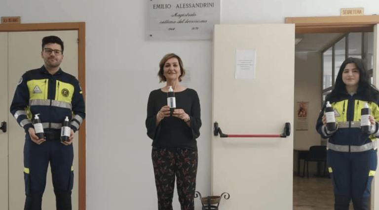 Coronavirus, l'ISS Alessandrini Marino di Teramo dona igienizzante alla protezione civile