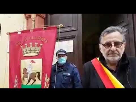 Giulianova, minuto di silenzio e bandiere a mezz'asta per le vittime del Coronavirus VIDEO