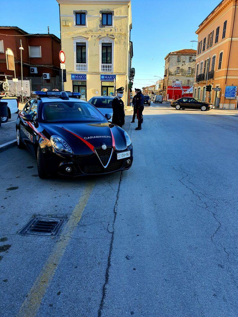 Giulianova, guida l'auto non assicurata senza patente: denunciato dai carabinieri