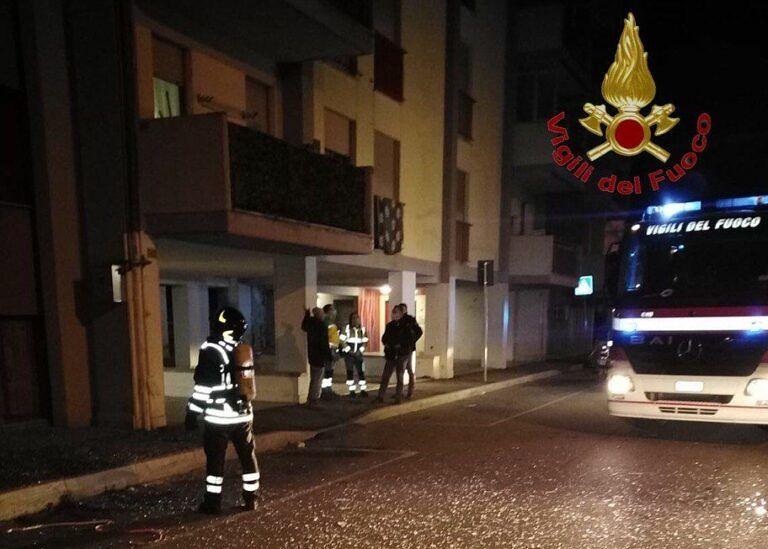 Pescara, una bomba artigianale devasta una palazzina di Zanni VIDEO-FOTO