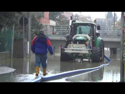 Roseto, emergenza maltempo. Sottopassi e campi allagati, preoccupa la piena del fiume Tordino NOSTRO SERVIZIO